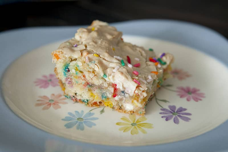 Easy to make sprinkle Confetti Cake Batter Brownies recipe. These funfetti brownies are moist and so ooey gooey good!  They make the best birthday cake brownies!
