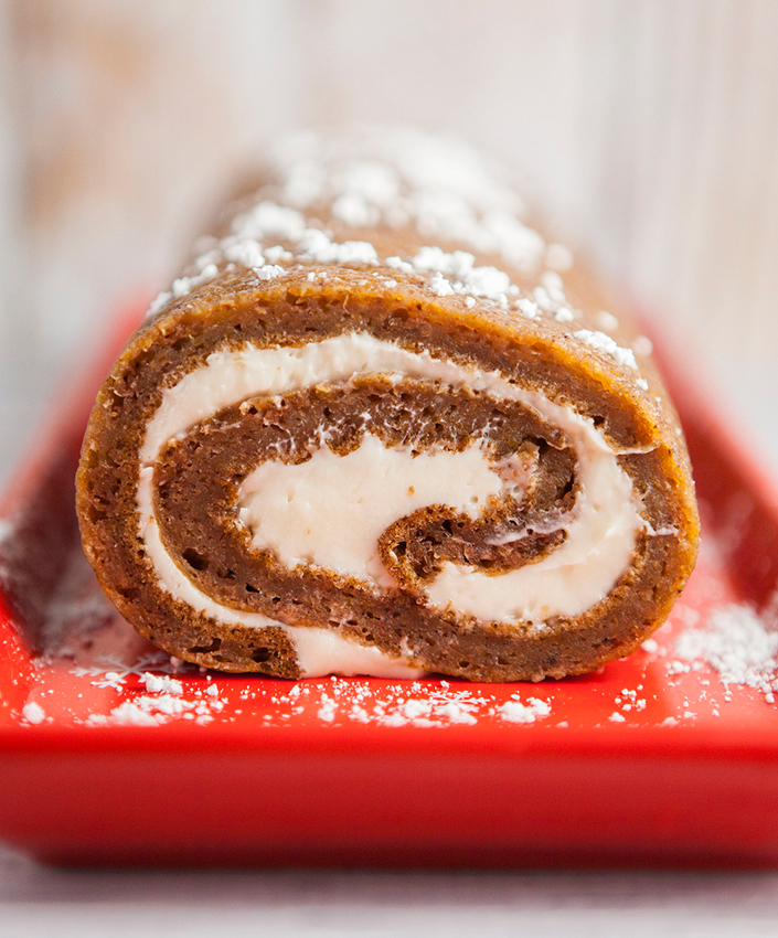Pumpkin-Roll-With-Cream-Cheese-Filling