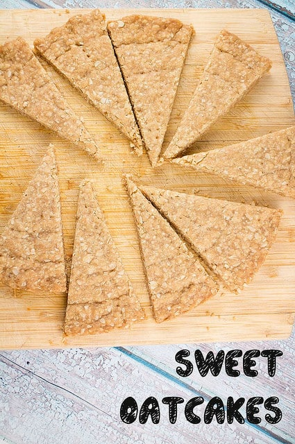 A Game of Thrones recipe for House Stark  - sweet oatcakes! Make this easy oat cake recipe while you're watching your favorite show!