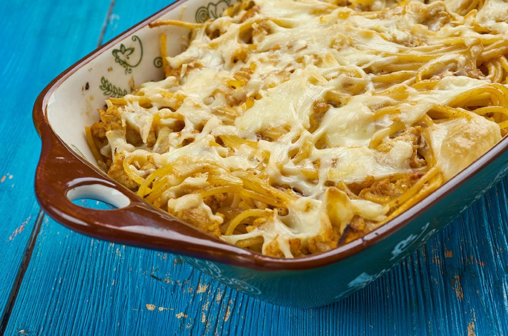 This leftover spaghetti casserole is a easy dinner meal recipe for your family.  Enjoy spaghetti tossed in pasta sauce, then topped with cheese and mushrooms and baked until golden brown.