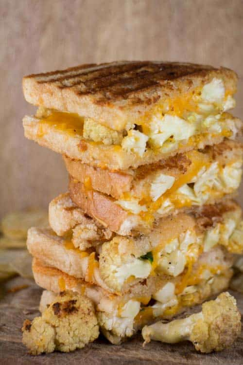 This is a ooey gooey delicious grilled cheese sandwich recipe with cauliflower and jalapeno peppers!