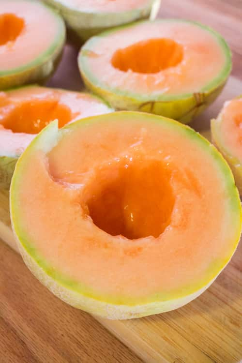 HEALTHY Cantaloupe Chips! This easy recipe shows you how to make cantaloupe chips with a dehydrator! These naturally sweet chips are such a healthy snack! They're one of the best Summer recipes!