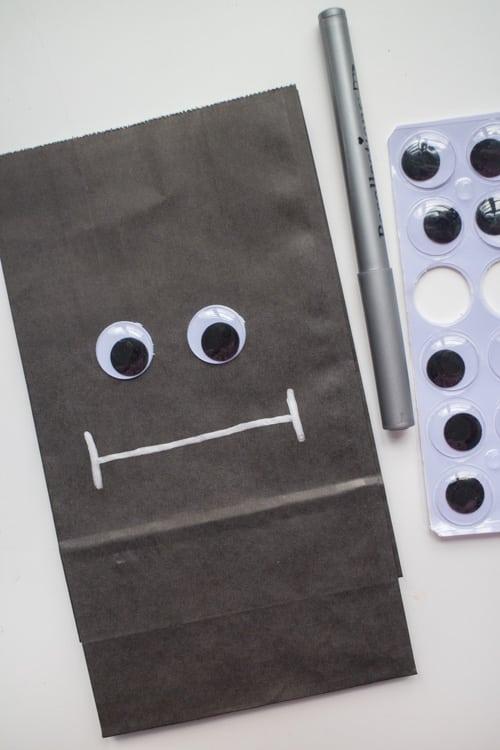 Fun Ideas for Hallowen Treat Bags_10