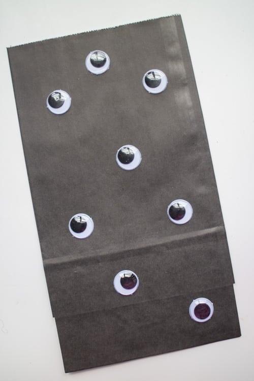 Fun Ideas for Hallowen Treat Bags_12