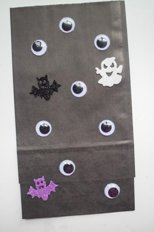 Fun Ideas for Hallowen Treat Bags_13