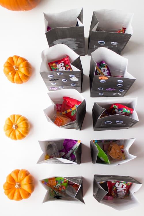 Fun Ideas for Hallowen Treat Bags_29