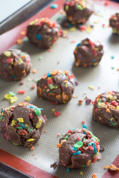 Fruity Pebbles Cookies made with chocolate pudding are the BEST! This easy recipe is fun to make with kids! I love how each bite has chocolate bites and Fruity Pebbles cereal in it!
