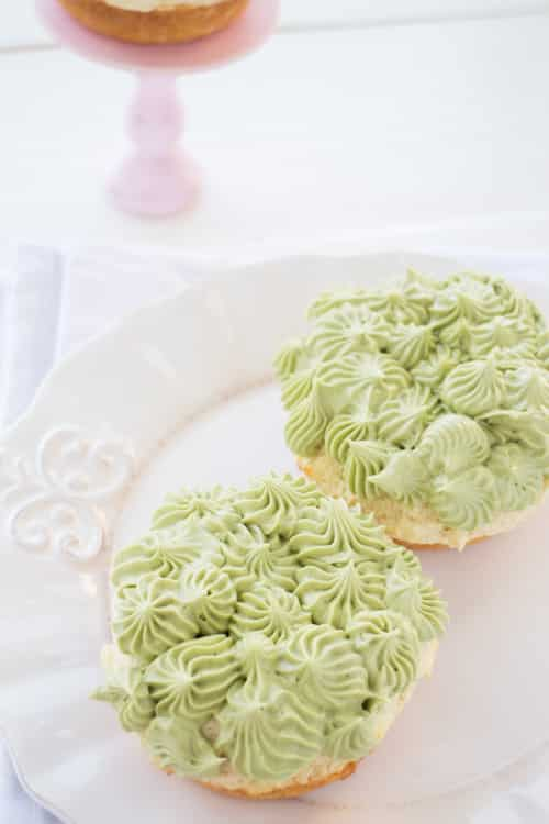 Recipe for Matcha Green Tea Vanilla donuts. Recipe makes 10 donuts. These are perfect for a tea party, birthday party or dessert!