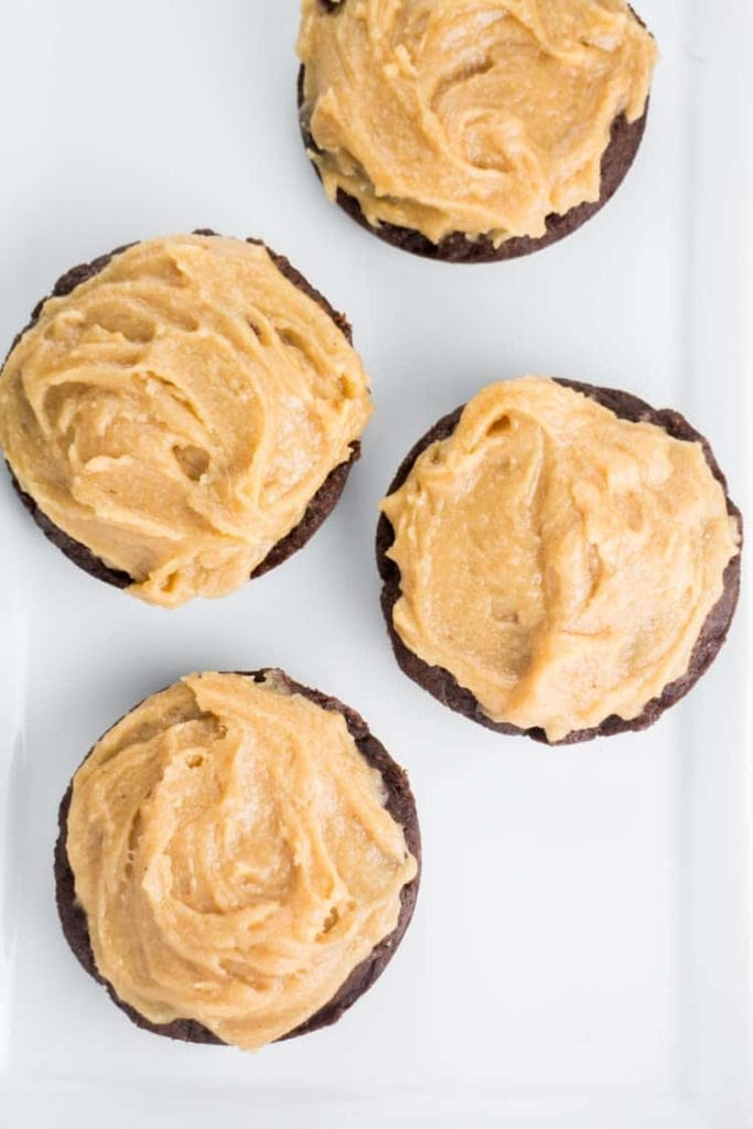 Fudgy-Milk-Chocolate-Donuts-With-Peanut-Butter-Frosting_5