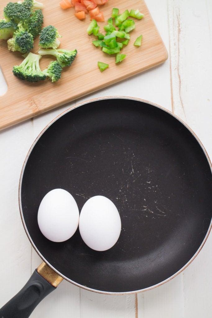 2 eggs in frying pan