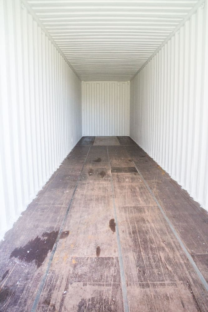 shipping-container-after-painting
