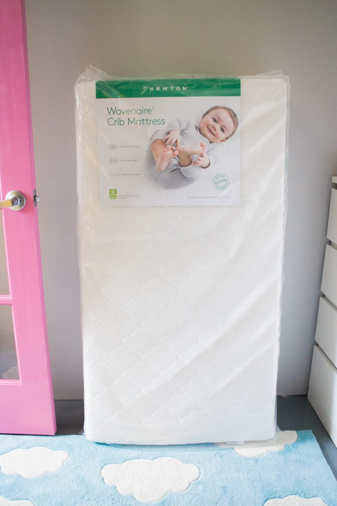 Newton Crib Mattress Review- the Wovenaire is the best mattress for your baby that is 100% breathable! Perfect for First Time Moms who are worried about everything (that's me!).