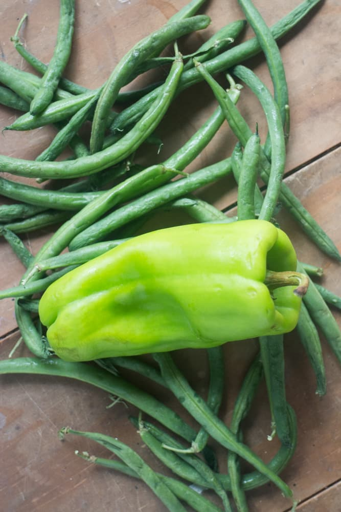 Green beans and green pepper