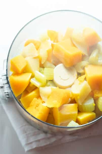 I have a picky toddler and she loves this puree, so trust me - your baby is going to love this Butternut Squash Baby Food Recipe made with fruits and vegetables! And even better, it's easy to make!  This is a nutritious Stage 2 and Stage 3 puree for baby, or to serve to toddlers in pouches.