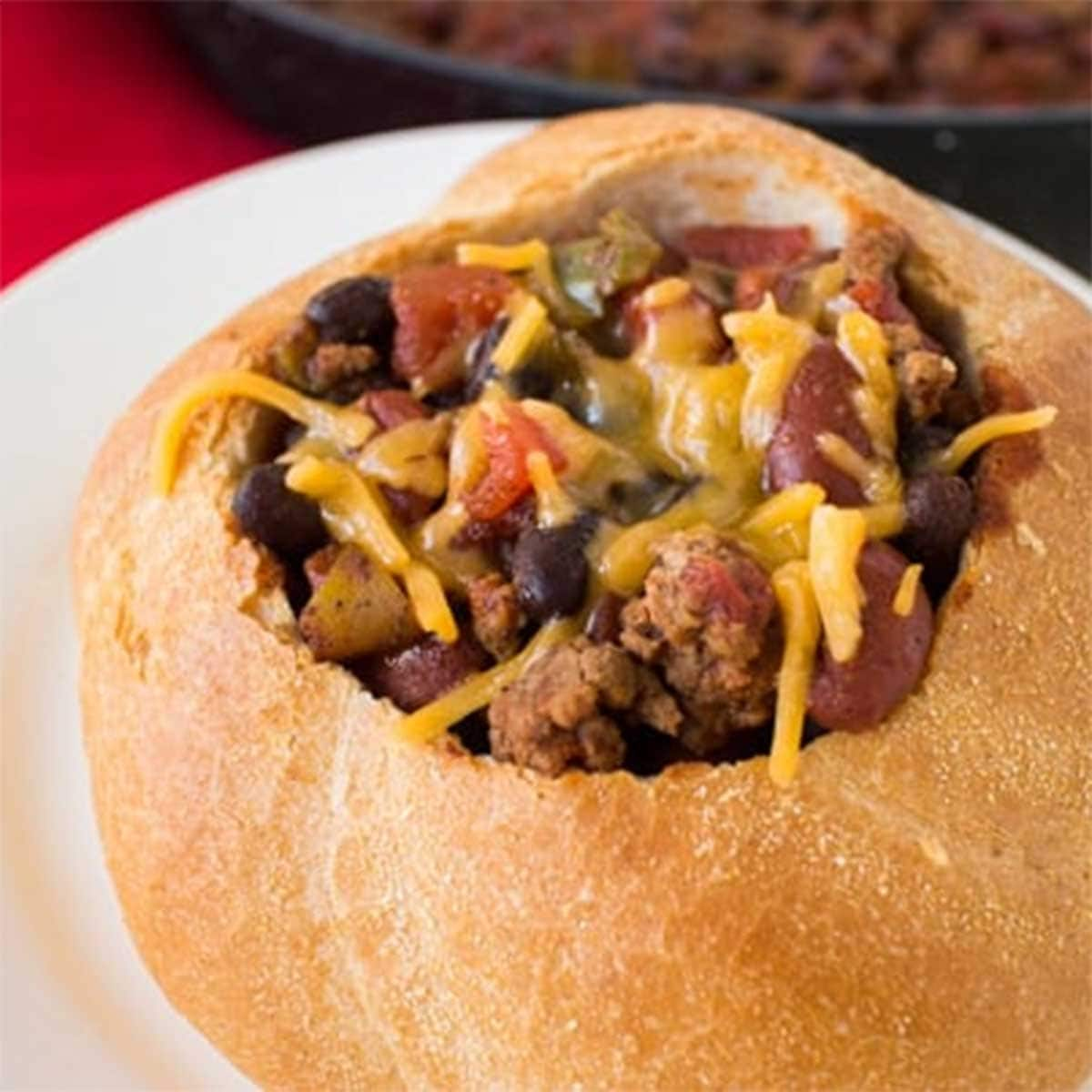 Easy Ground Beef Chili Recipe With Bread Bowl Classic And Quick