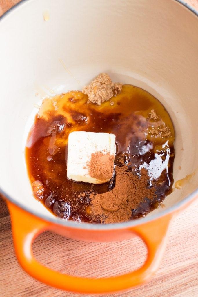 honey, butter, brown sugar vanilla and cinnamon in saucepan.