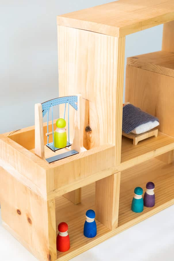 Step by step instructions on how to build a modern dollhouse for your kids. Easy to make plans and can be completed in 1 day. Final cost is $35 for a life long toy that can be passed on for generations.