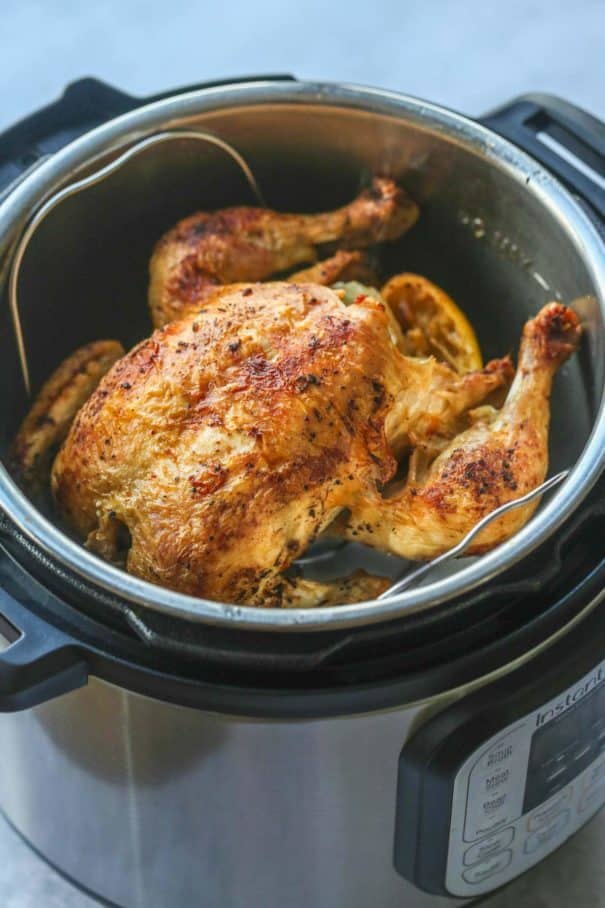 50 cheap chicken recipes for $10 or less that feeds at least 4 people.  This is a great dinner list for families on a budget!  You'll find baked, grilled, slow cooker, simple and quick chicken recipes here - plus much more! Bookmark this page.